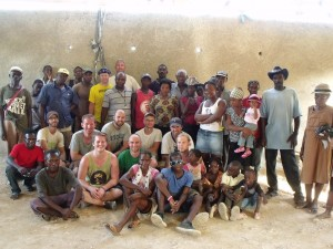 Short-term mission teams from the U.S. work alongside locals on Starfysh projects.  (Image courtesy Starfysh)